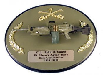U.S. Army M-249 SAWS gun on painted wood plaque