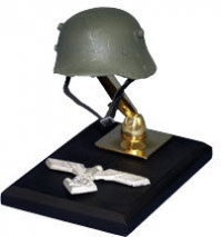 WW 1 miniature helmets: German Stalhelm
