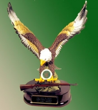 Flying Eagle holding an M 1 Garand Rifle US Army pin