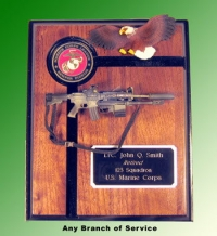 Marine Corps plaque with gun and eagle