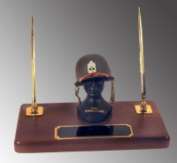 U.S.Army tec sgt as desk set