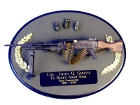 U.S. Army M-249 SAWS on painted wood plaque