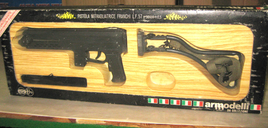 1/3 scale French machine pistol with arm - Click Image to Close