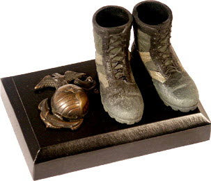 USMC memorial boots and pin - Click Image to Close