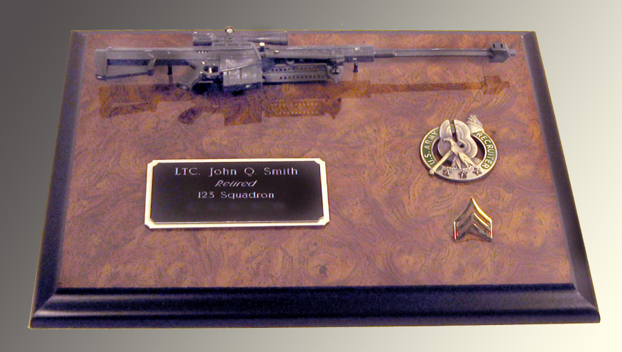 gun plaque ( US Army recruiter ) pin shown - Click Image to Close