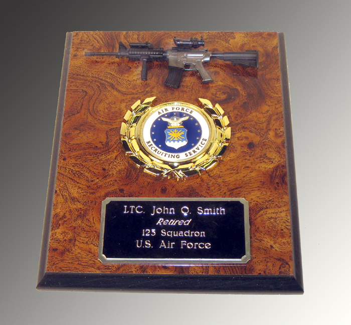 Small Gun wall plaque gun of your choice - Click Image to Close