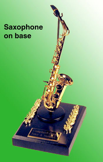 miniature sax as paper weight - Click Image to Close