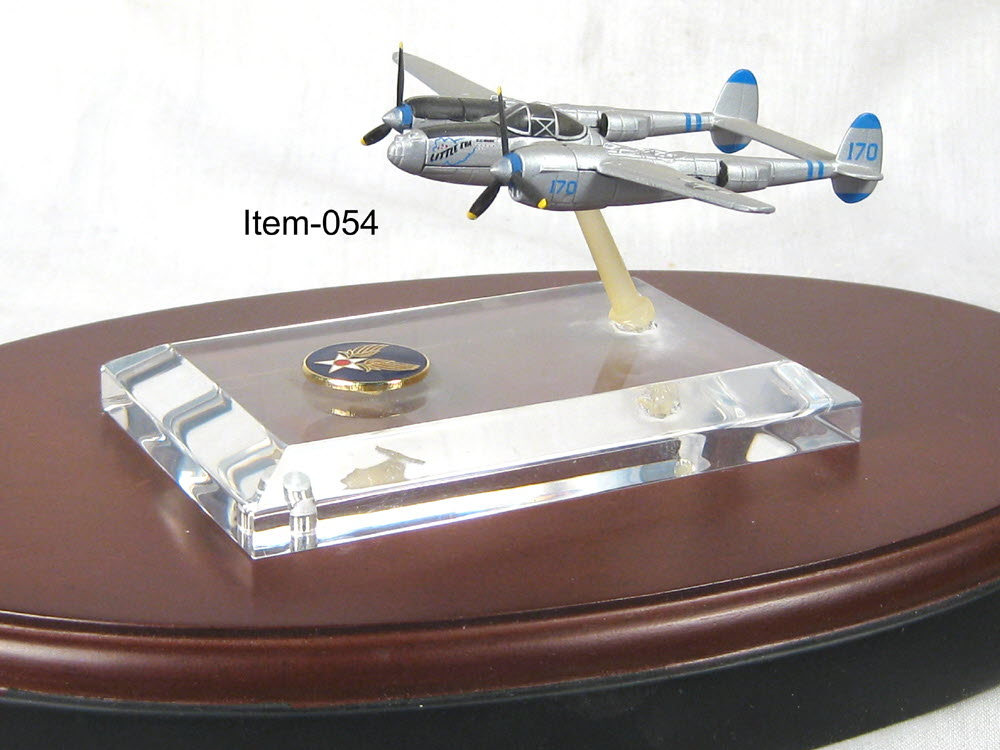 P-38 lightning with acrylic base - Click Image to Close