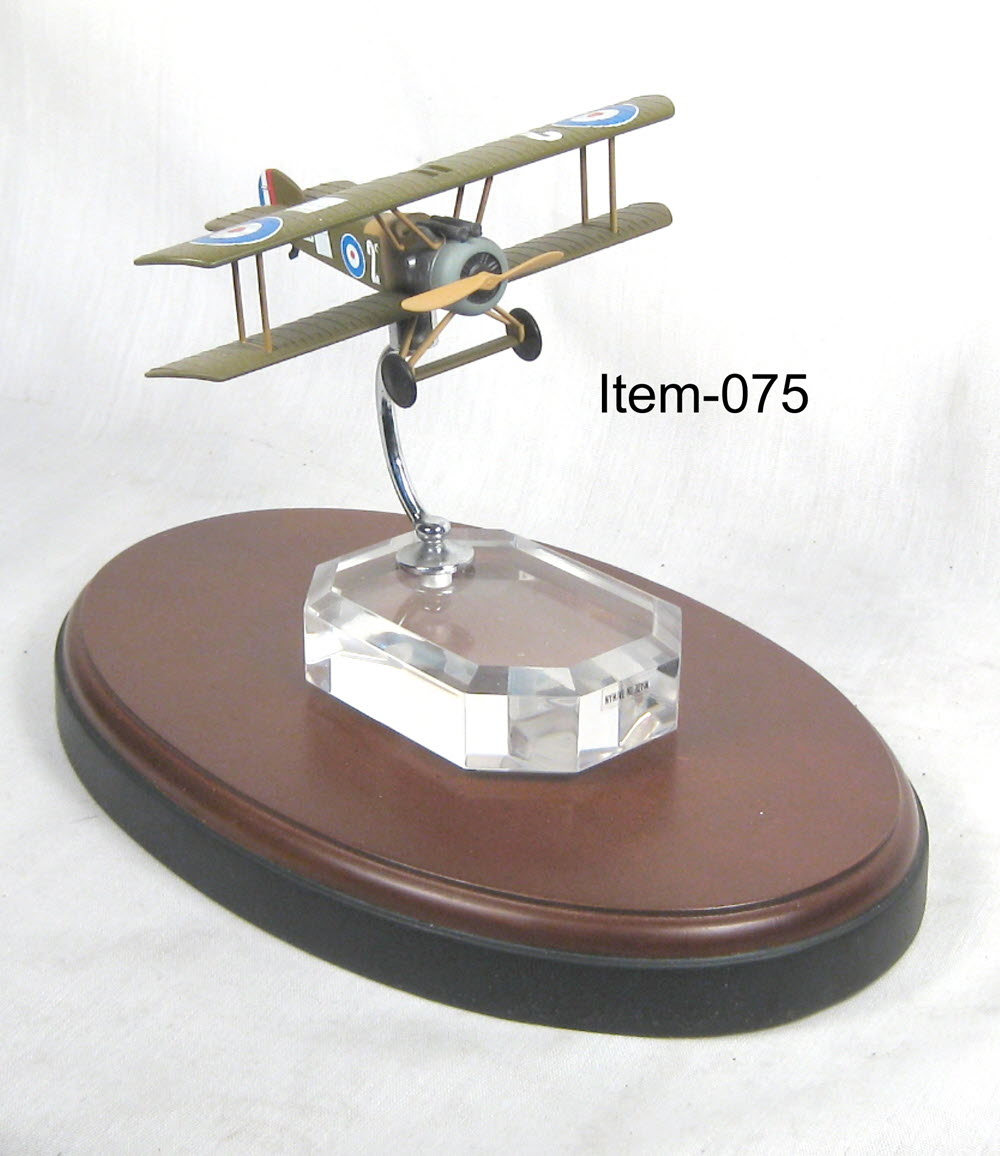 ww1 British Spad on acrylic base - Click Image to Close