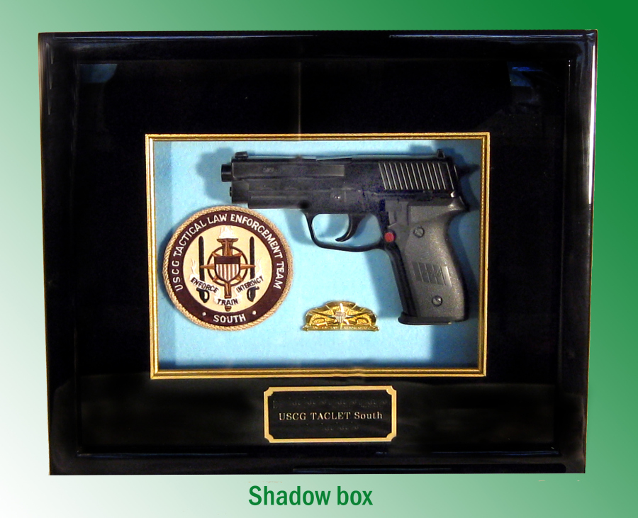 Shadow box with gun - Click Image to Close