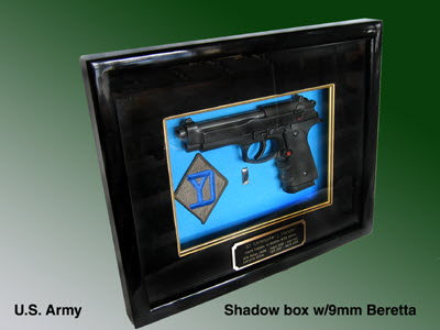 U.S.Army 9 mm Beretta shadow box presentation - Click Image to Close
