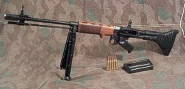 German FG-42 machine gun - Click Image to Close
